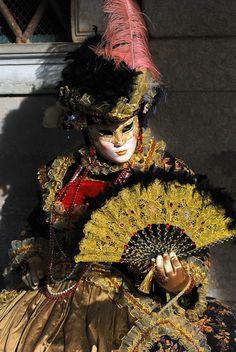 IL NOSTRO IMMENSO PATRIMONIO ARTISTICO CULTURALE - Google+ Art Costume, Costumes, Ash Wednesday, Carnival Of Venice, Mardi Gras, Events, Italy, Board, Google