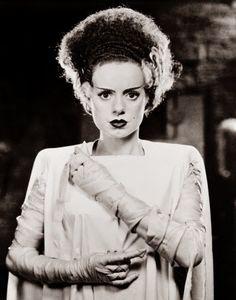 Las damas más oscuras del cine y la televisión de todos los tiempos 2ª parte: La novia de Frankenstein - Elsa Lanchester | ENTRE EL CAOS Y EL ORDEN MAGAZINE