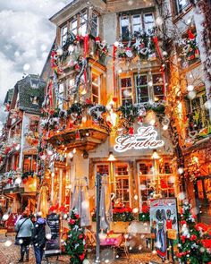Christmas Village From Fairytale: Photos That Prove Strasbourg Really is the Capital of Christmas Christmas Scenes, Noel Christmas, Winter Christmas, Xmas, Christmas Town, Beach Christmas, Christmas In Europe, Christmas Time Is Here, Christmas Markets