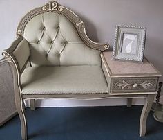 Annie Sloan French Linen painted 'Petit Canapé'