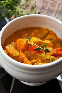 Fisksoppa med fänkål och saffran - Landleys Kök Thai Red Curry, Low Carb, Cooking, Ethnic Recipes, Food, Essen, Kitchen, Meals, Yemek