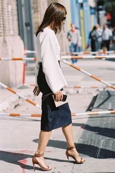 Carine Roitfeld, before DKNY, NYC, September The chic, sleek denim skirt. Recreate Carine's look (kind of): Alexander McQ. Summer City Fashion, Autumn Fashion, Casual Chic, Looks Style, My Style, Girl Style, Denim Fashion, Fashion Outfits, 2014 Fashion Trends