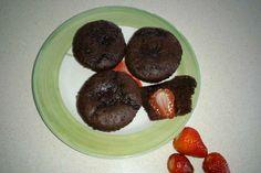 Ricetta Muffin al cioccolato con cuore di fragola