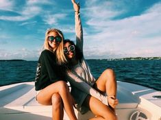 aubinvarieur - 0 results for lake pictures Foto Best Friend, Best Friend Photos, Best Friend Goals, Friend Pics, Lake Pictures, Lake Photos, Beach Photos, Lake Pics, Boating Pictures