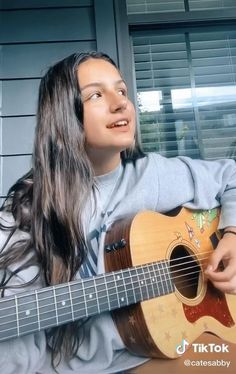 Guitar Chords For Songs, Piano Songs, Music Guitar, Piano Music, Music Sing, Music Video Song, Cool Music Videos, Good Music, Acoustic Guitar Photography