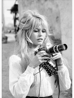 'Brigitte Bardot with Camera, Black and White Photograph' Poster by modernretro Blonde Pony, Bardot Bangs, Bardot Fringe, 1960s Hair, 1960s Bangs, Blonde Hair With Bangs, Grunge Hair, Hairstyles With Bangs, Lob Hairstyle