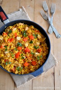 Paella z kurczakiem in 2020 Paella, Food To Make, Recipies, Curry, Food And Drink, Tasty, Cooking, Healthy, Ethnic Recipes