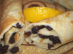 Welsh Crepes (Ffrois) for St. David's ay March Photo by Elly in Canada Welsh Cakes Recipe, Welsh Recipes, Uk Recipes, Cooking Recipes, British Recipes, Recipies, Scottish Recipes, Breakfast Time, Breakfast Recipes