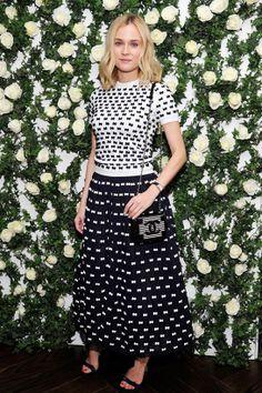 Diane Kruger en Chanel http://www.vogue.fr/mode/inspirations/diaporama/les-looks-du-mois-de-janvier-des-podiums-a-la-realite-1/17388/image/929722#!diane-kruger-en-chanel