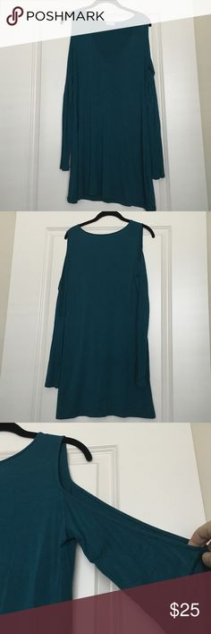 """Teal Open Shoulder Dress Beautiful dress with a sexy opening on each shoulder. Worn only once! 95% Rayon, 5% Elastane. Super comfy material - would look beautiful with a big sloppy hat for a spring through fall look! Can be dressed up or down. Comes to my knees and I am 5'2"""". Tobi Dresses"""
