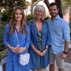 Pulsar en la imagen para verla a tamaño completo. Prins Philip, Prinz Carl Philip, Princess Sofia Of Sweden, Princess Sophia, Capri, Swedish Royals, Royal Families, Royal Fashion, Duke And Duchess