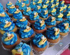 Cupcakes con yellow submarine baby en fondant. Cupcake Love 2014 www.cupcakelove.com.mx