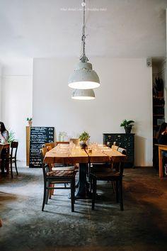 Berlin / Bar, restaurant Le Bon /