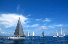 En la imagen se observa un grupo de veleros el día 11 de junio en el aledaño archipiélago de las Islas Pescadores (Penghu), poco antes del venidero Festival de Vida Náutica...