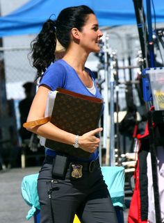 Angie Harmon - Angie Harmon On The Set Of Rizzoli & Isles