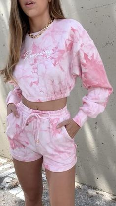 Cute Lazy Outfits, Crop Top Outfits, Short Outfits, Stylish Outfits, Cool Outfits, Beach Outfits, Girls Fashion Clothes, Girl Fashion, Fashion Outfits