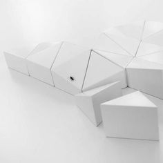 A toy of puzzling facets