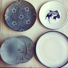 Ceramiche giapponesi abbellite da colori molto delicati.