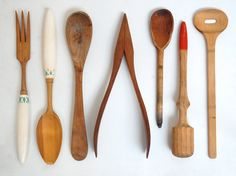 I'd love to collect vintage rolling pins with different sizes and different coloured handles.