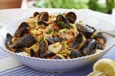 Tagliatelle med havets frukter - Liker du sjømat, liker du denne pastaretten! Varier med ulike typer skalldyr; du kan til og med bruke fisk Japchae, Seafood, Chicken, Meat, Ethnic Recipes, Summer, Sea Food, Cubs, Seafood Dishes