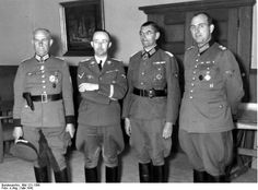 Reichsführer SS Himmler and General of Police Daluege with Knight's Cross winners Colonel Giese (left) and Major Pannier. Note Pannier's collar insignia borrowed from the Army despite his Waffen-SS capacity. Similarly, Daluege's collar insignia are also Army borrows despite Daluege's non-army rank.