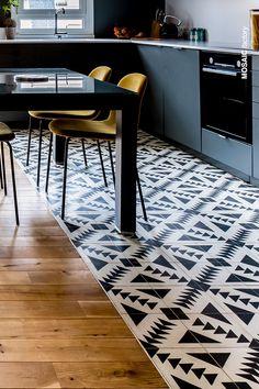Modern and traditional encaustic cement tiles factory Wooden Floor Tiles, Wood Tile Floors, Kitchen Flooring, Cement Tiles, Wooden Flooring, Mosaic Tiles, Wall Tiles, Kitchen Floor Tile Patterns, Patterned Kitchen Tiles