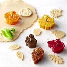 Williams-Sonoma Ultimate Fall Piecrust Cutters, Set of 6