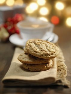 Peanut butter cookies - Create an amazing cookie sandwich by filling peanut butter between 2 cookies.