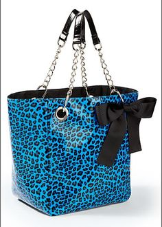 A nice bag to take on vacation. From the Venus website