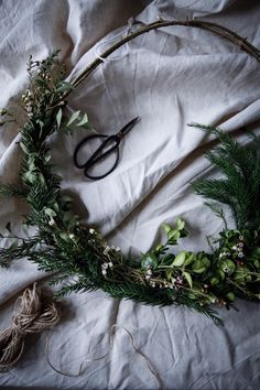 my scandinavian home: A Mysig Swedish Family Home at Christmas Natural Christmas, Outdoor Christmas, Simple Christmas, Christmas Wreaths, Christmas Crafts, Swedish Christmas Decorations, Christmas Table Centerpieces, Outside Decorations, Xmas Decorations