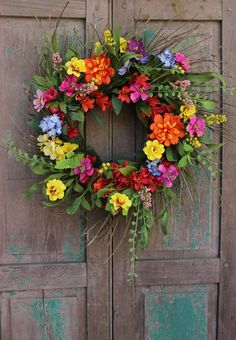 Summer Garden Wreath - Summer Wreath - Garden Party Wreath - Large Floral Wreath - My list of the most creative garden decorations Indoor Garden Party, Diy Garden, Garden Crafts, Garden Types, Summer Wreath, Spring Wreaths, Hanging Baskets, Door Wreaths, Grapevine Wreath