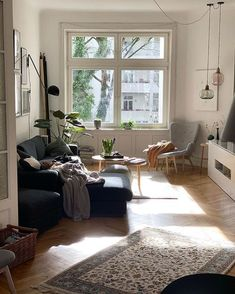 37 Neat and Cozy Living Room Ideas for Small Apartment Living Room Red, Cozy Living Rooms, Apartment Living, Home And Living, Living Room Decor, Living Spaces, Modern Living, European Apartment, Dog Spaces