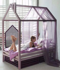 Детская кровать домик для девочки или мальчика от 2 до 12 лет! Из массива сосны, бука или дуба! 213 вариантов цветов! Ручная работа! Доставка в любой город РФ!