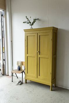 Painted Cupboards, Furniture Makeover, Furniture Decor, Yellow Furniture, Home Furniture, Home Decor, House Interior, Home Decor Furniture, Home Deco