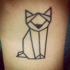 simple, geometric cat/wolf/dog/fox?