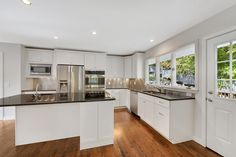 Transitional Kitchens are the in-thing!