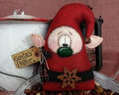 E-Pattern - Elvin Santas Helper Pattern - Primitive Doll E-Pattern - Elf - Christmas - Santa's workshop - English Only Felt Christmas Ornaments, Christmas Elf, Christmas Stockings, Christmas Crafts, Xmas, Primitive Doll Patterns, Santas Workshop, Pattern Paper, Felt Crafts