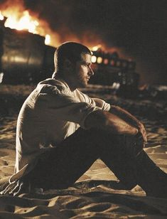 Matthew Fox in Lost Serie Lost, Lets Get Lost, Im Lost, Science Fiction, Lost Tv Show, Matthew Fox, Evangeline Lilly, Sci Fi Series, In Another Life