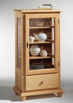 Lovely Vitrine im Landhausstil Wertach Holz Fichte Rosner Massiv Buy now at https