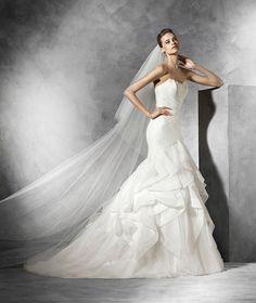 Ledurne, strapless princess wedding dress in satin