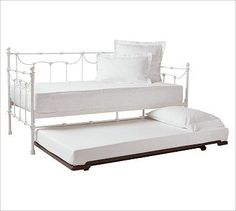 Image from http://st.houzz.com/simgs/5a511d7802031c1a_4-5516/traditional-daybeds.jpg.