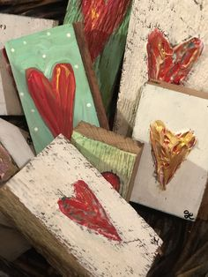 Holiday Crafts For Kids, Crafts To Make, Arts And Crafts, Fun Crafts, Small Canvas Art, Mini Canvas, Valentine Day Crafts, Valentine Decorations, Wood Block Crafts