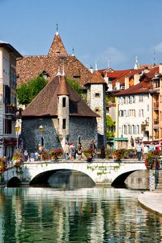 Annecy, France is a commune in the Haute-Savoie department in the Rhône-Alpes region in south-eastern France. It lies on the northern tip of Lake Annecy (Lac d'Annecy), 35 kilometres south of Geneva. Places Around The World, Oh The Places You'll Go, Travel Around The World, Places To Travel, Places To Visit, Around The Worlds, Wonderful Places, Beautiful Places, Amazing Places