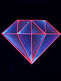 """Pink Diamond"" String Art Deko  #blacklight #schwarzlicht #stringart #fadendeko…"