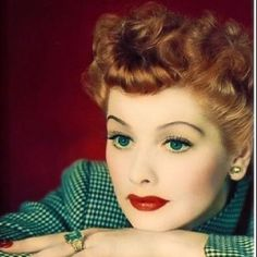 How well do you know Lucille Ball of I Love Lucy Show – Tomorrow's Cinema Today! Hollywood Glamour, Classic Hollywood, Old Hollywood, Hollywood Stars, Divas, Lucille Ball, Pretty People, Beautiful People, Beautiful Women