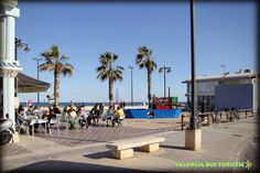 "Typical ""Tapas"" Bars on Malvarrosa Beach.    Chiringuitos en la Malvarrosa.    http://www.valenciabusturistic.com/"