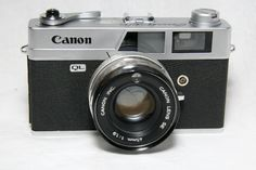 Canon - a favorite of street photographers. Canon Lens, Street Photographers, Vintage Cameras, Film Camera, Fujifilm Instax Mini, Binoculars, Photography Tips, Pictures, White People
