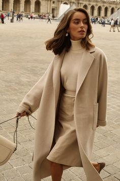 The 8 Style Mistakes Parisian Women Never Make 7 Chic Ways To Dre. The 8 Style Mistakes Parisian Women Never Make 7 Chic Ways To Dress Like a French Women. How to style your clothing to achieve the clas. Classy Outfits, Chic Outfits, Fall Outfits, Fashion Outfits, Christmas Outfits, Travel Outfits, Fashion Boots, Classy Clothes, Trendy Outfits