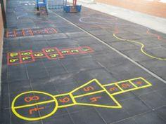 Juegos para que los niños estén en contacto directo, se comuniquen y socialicen en el patio del colegio o en el jardín.