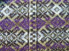 """Fair Isle Larger Motifs and the Problem of Matching Pattern at the Side """"Seams"""" > Decorative Side """"Seams"""""""